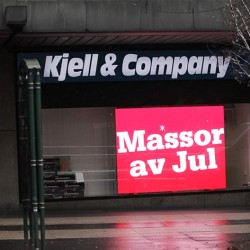 digitala skyltar med text massor av jul